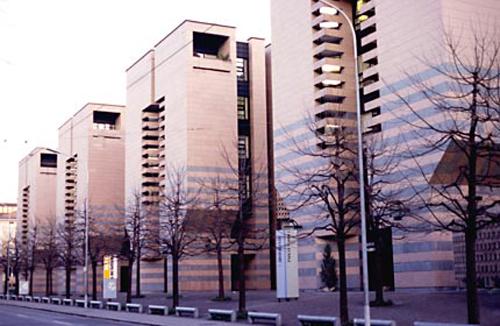 La Banca del Gottardo, obra del genial Mario Botta
