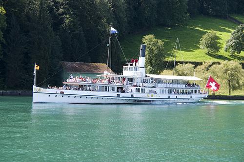 lago 4 cantones barco
