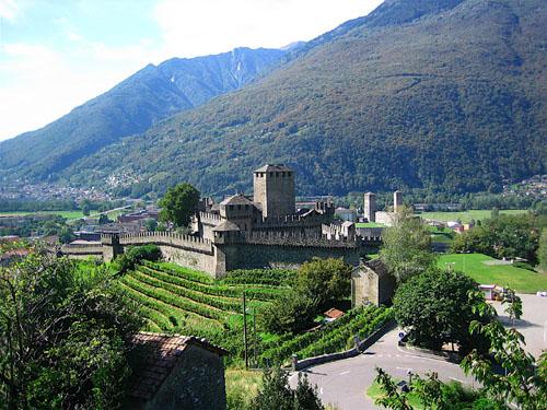Bellinzona, el pueblo de los tres castillos
