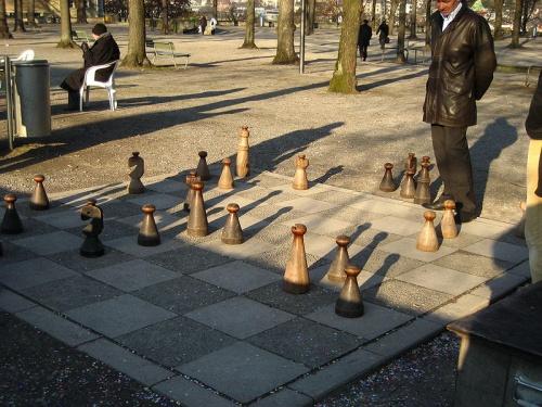 Jugar ajedrez en Lindenhof