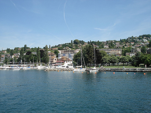 Lutry Switzerland  city pictures gallery : Lutry, viñedos junto al Lago de Ginebra