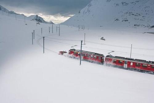 Dos viajes en tren por los Alpes suizos