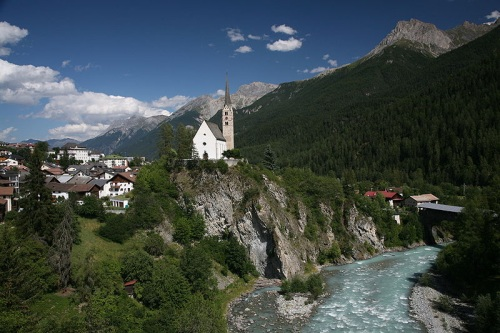 Scuol en Suiza