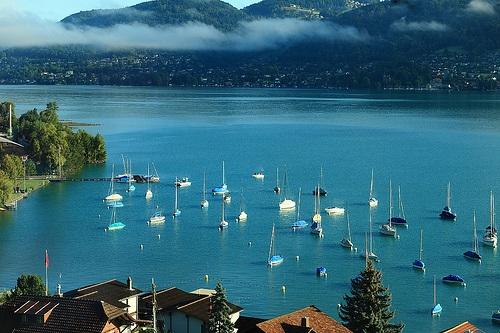 Lago Thun en el Oberland Bernes