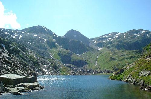El Lago Toma, fuente del Rhin