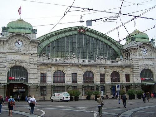 Avión, tren y tranvía hacia Basilea
